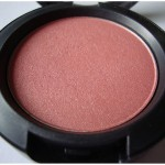 Keen on MAC Peachykeen blush : Swatches, Review, Photos