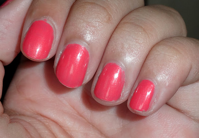 O.P.I Chapel of Love Nail Polish Swatches: LOVE it !