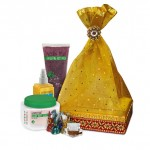 Rakhi Hampers and Discounts From The Natures Co !