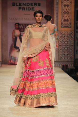 Wills Lifestyle India Fashion Week 2012 Manish Malhotra (3)