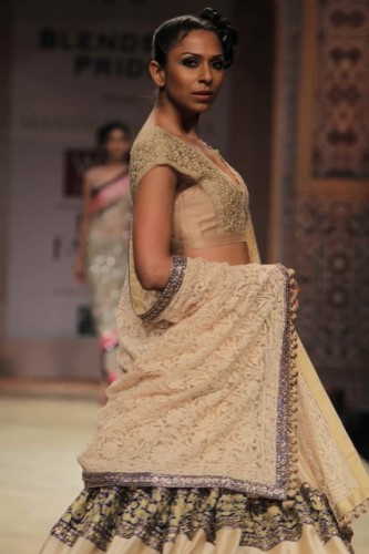 Wills Lifestyle India Fashion Week 2012 Manish Malhotre (2)