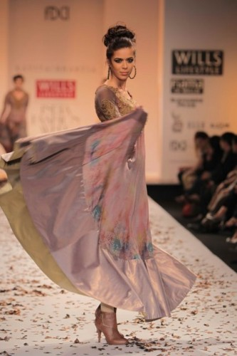 wills-lifestyle-india-fashion-week-2012-kavita-bhartia (8)