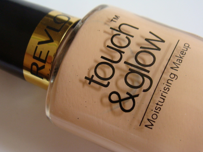 Revlon Touch & Glow Moisturizing Makeup Review