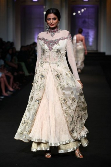 aashima-leena-bridal-week-001