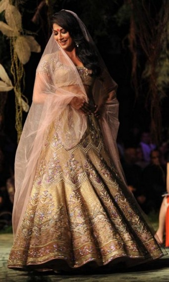 tarun-tahiliani-bridal-001