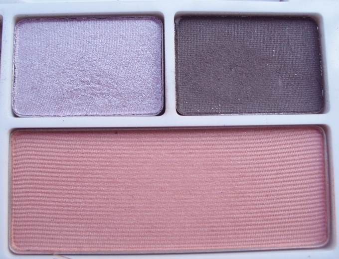 clinique-eyeshadow-and-blush-pallette1