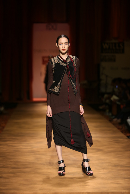 Tarun-Tahiliani-WIFW-2013-autumn-winter (13)