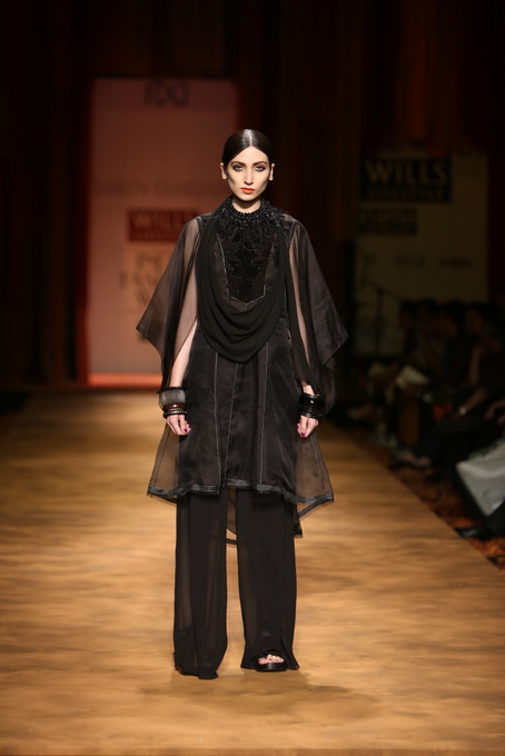 Tarun-Tahiliani-WIFW-2013-autumn-winter (14)