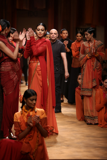 Tarun-Tahiliani-WIFW-2013-autumn-winter (16)