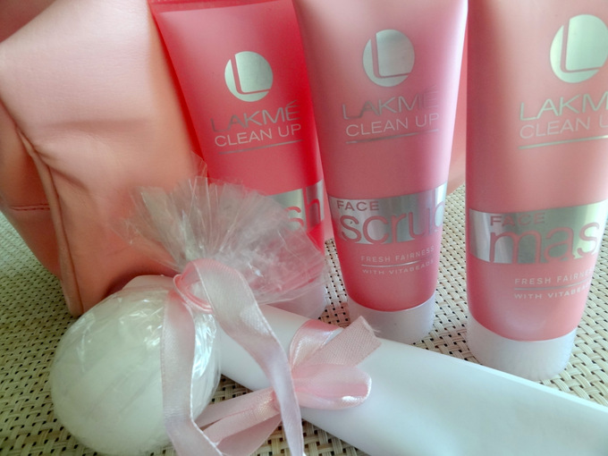 lakme-clean-up-range