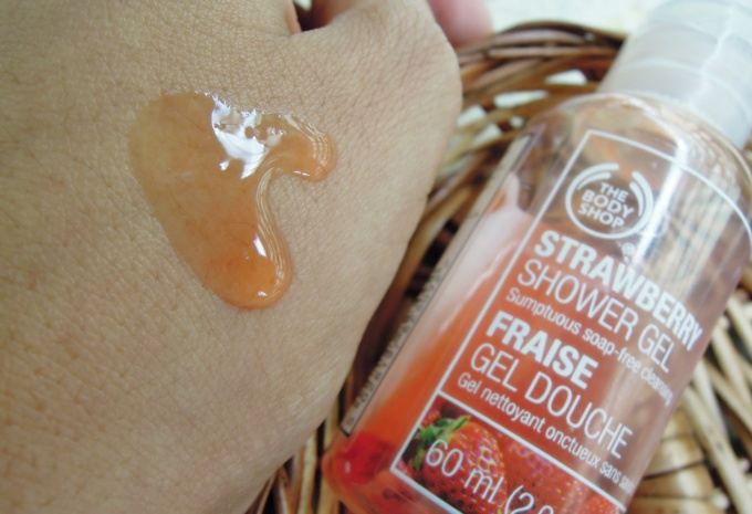 The body shop strawberry shower gel_4