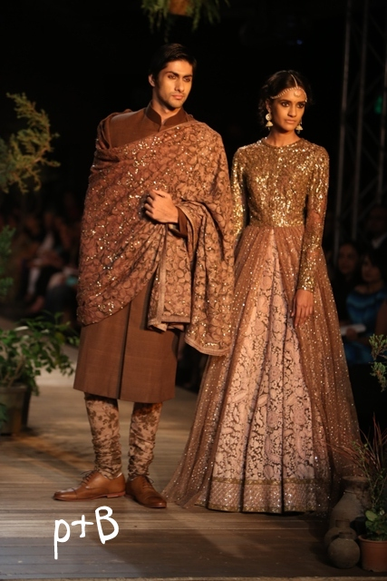 Delhi-Couture-Week-2013-Sabyasachi-Bridal-Collection (19)