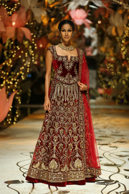 India Bridal Fashion Week Delhi 2013 - Model seen in bridal collection of  Rohit Bal