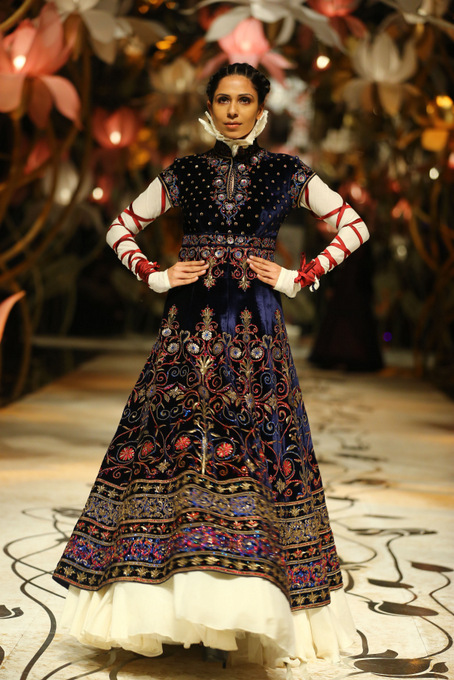 India Bridal Fashion Week Delhi 2013 - Model seen in bridal collection of  Rohit Bal_4