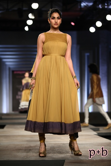 India Bridal Fashion Week Delhi 2013 - Shantanu & Nikhil (12)