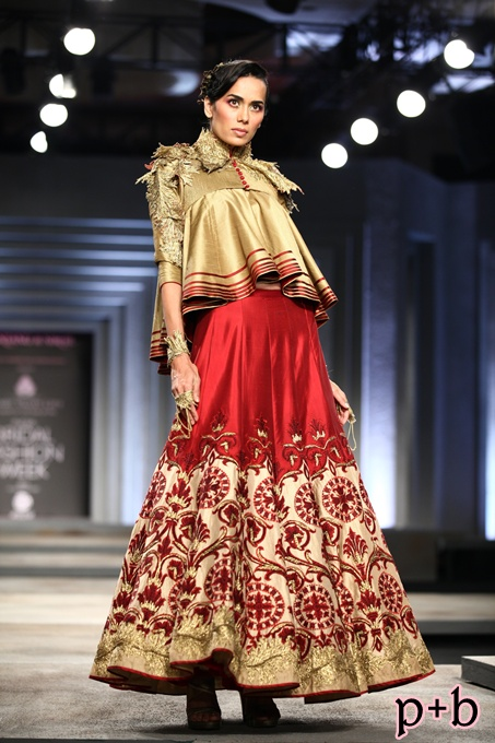 India Bridal Fashion Week Delhi 2013 - Shantanu & Nikhil (4)