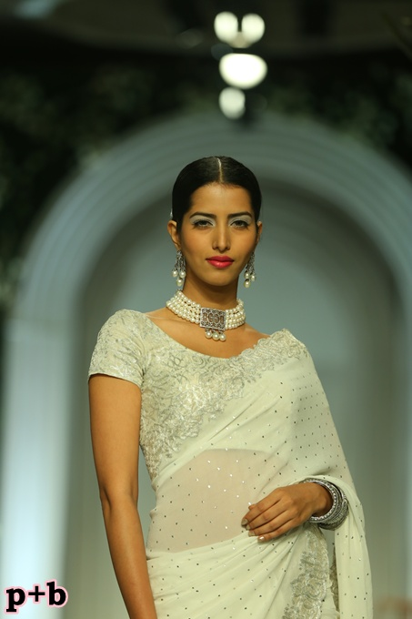 India Bridal Fashion Week -Meera Muzaffar Ali (2)