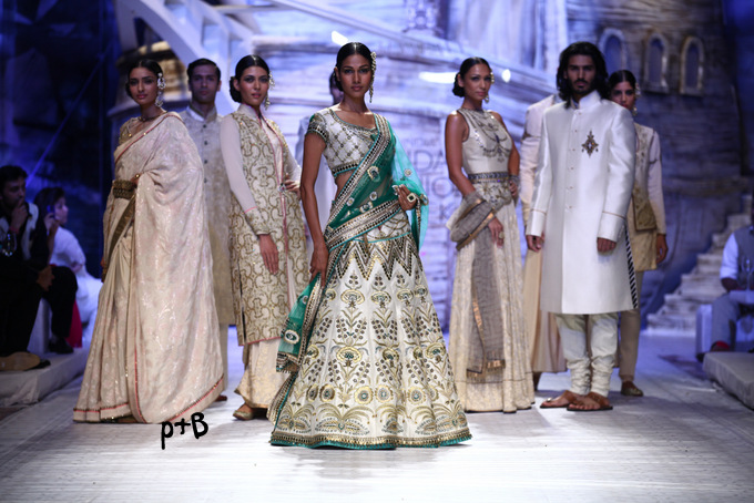 India-Bridal-Fashion_Week-2013-Bridal-Lehenga-JJ Vallaya (7)