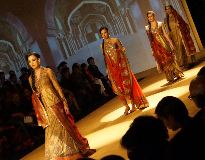 india-bridal-fashion-week-2013-aashima-leena (2)