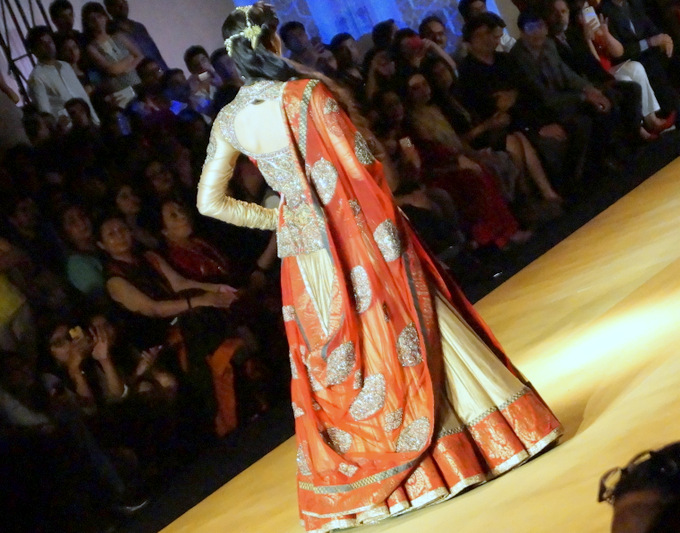 india-bridal-fashion-week-2013-aashima-leena
