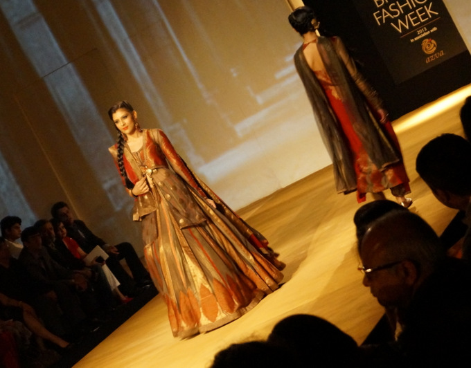india-bridal-fashion-week-2013-aashima-leena2(1