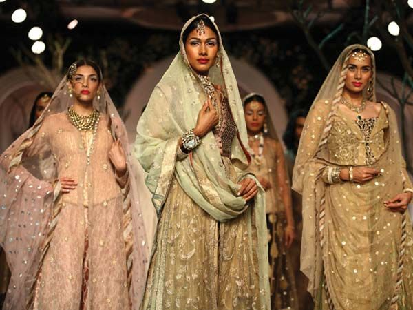 india-bridal-fashion-week-2013-meera-muzaffar_600x450
