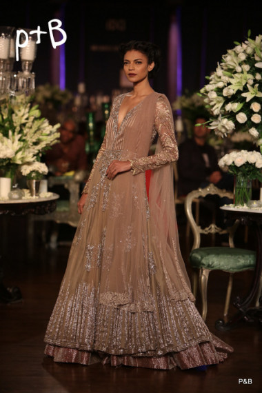 Manish-Malhotra-delhi-couture-week-2013-collection (2)