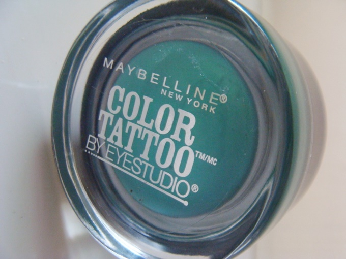 Maybelline Color Tattoo Edgy Emerald (5)