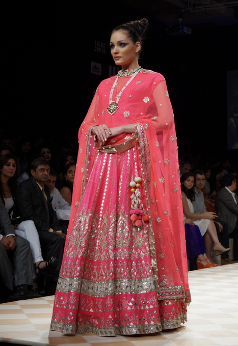 anita-dongre-2013-lakme-fashion-week-winter-festive (22)