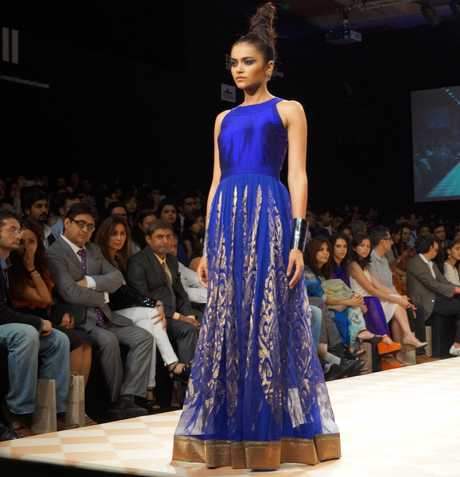 anita-dongre-2013-lakme-fashion-week-winter-festive (9)