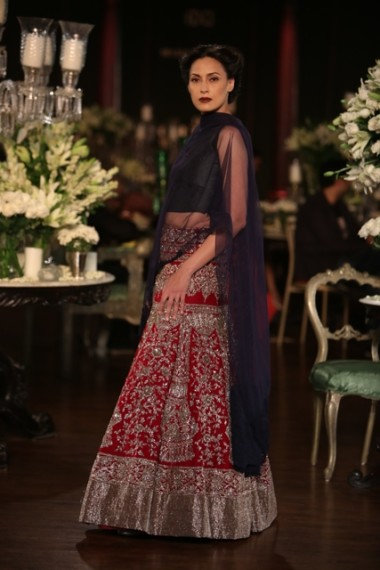 manish-malhotra-2013-bridal-collection-delhi-couture (10)
