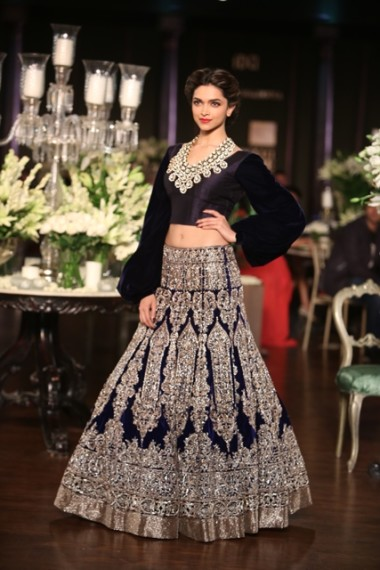 manish-malhotra-2013-bridal-collection-delhi-couture (12)