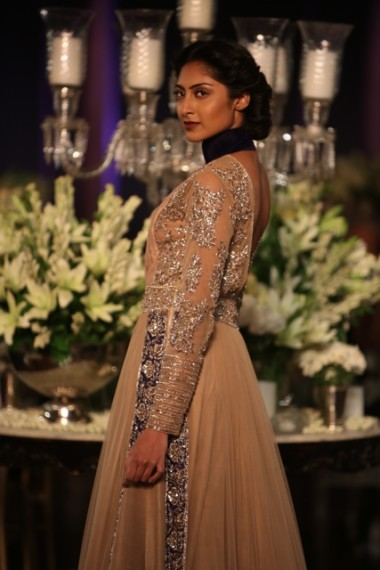 manish-malhotra-2013-bridal-collection-delhi-couture (6)
