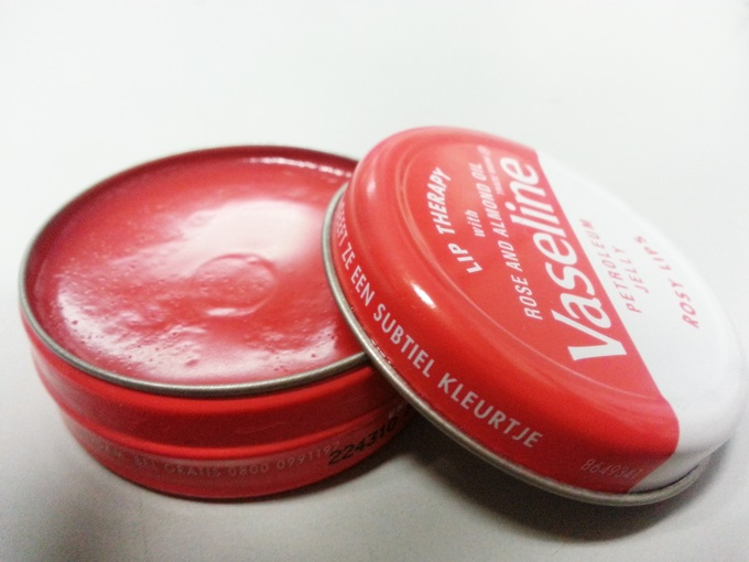 Vaseline Lip Therapy (2)
