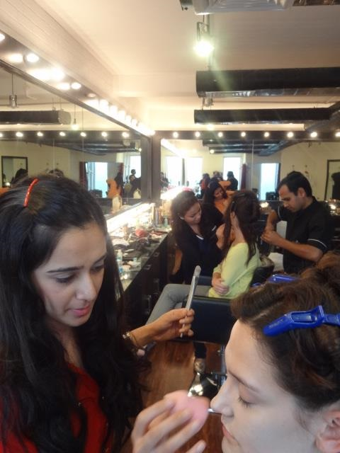 Professional Makeup Course At Chandni Singh Salon & Academy