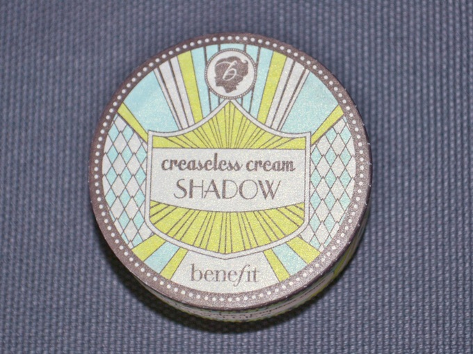 Benefit Creaseless Cream Shadow in Skinny Jeans (1)
