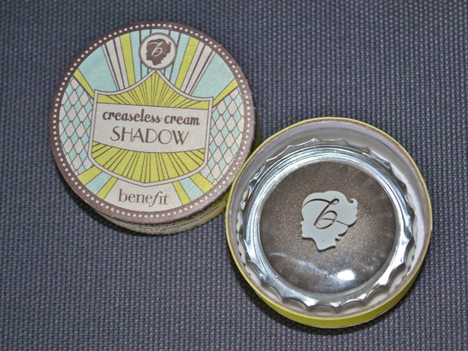 Benefit Creaseless Cream Shadow in Skinny Jeans (2)