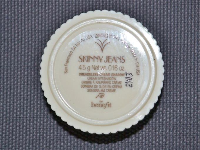 Benefit Creaseless Cream Shadow in Skinny Jeans (3)