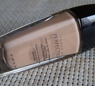 Guerlain Tenue De Perfection TimeProof Foundation Review