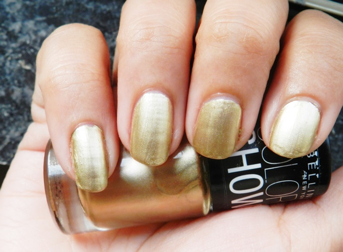 Maybelline Color Show Nail Polish In Bold Gold Swatches Review