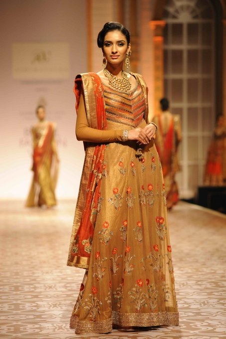 aashima-leena-india-bridal-week (2)