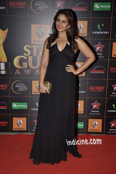 Huma-Qureshi-at-Star-Guild-Awards-2014
