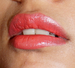 The Best Coral Lipsticks for Indian Skin: Top 10 !