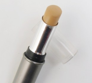 Lakme Absolute Concealer In Medium to Dark Review