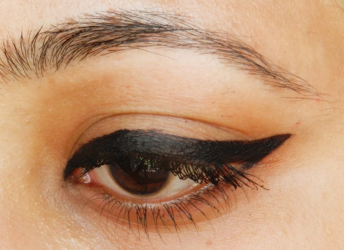 Maybelline Eyestudio Lasting Drama 36Hr Gel Liner in Black Review (3)