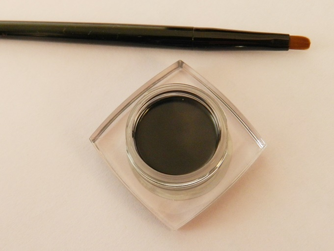 Maybelline Eyestudio Lasting Drama 36Hr Gel Liner in Black Review (6)