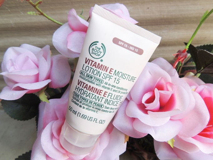 The Body Shop Moisture Lotion SPF 15 Review (4)