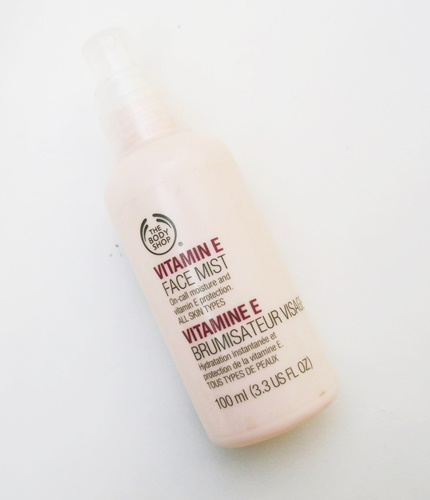 The Body Shop Vitamin E Facial Mist Review (1)