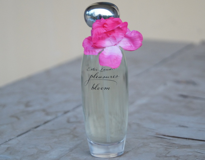 estee-lauder-pleasures-bloom-perfume1