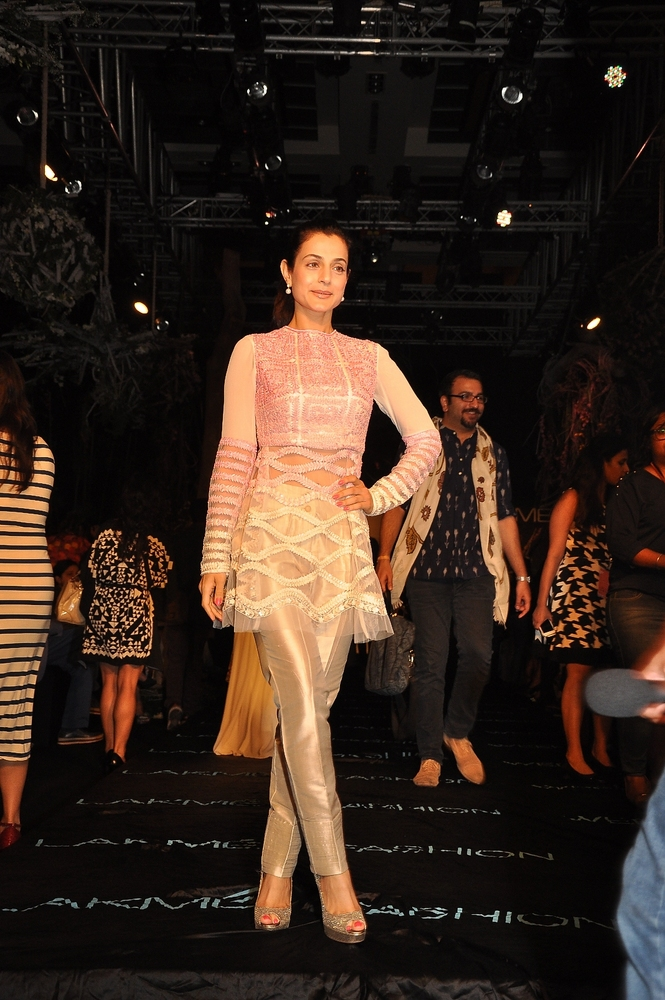 manish-malhotra-;akme-fashion-week-2014 (11)